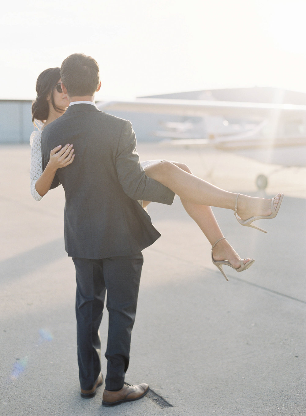 airport-engagement-shoot-8.jpg
