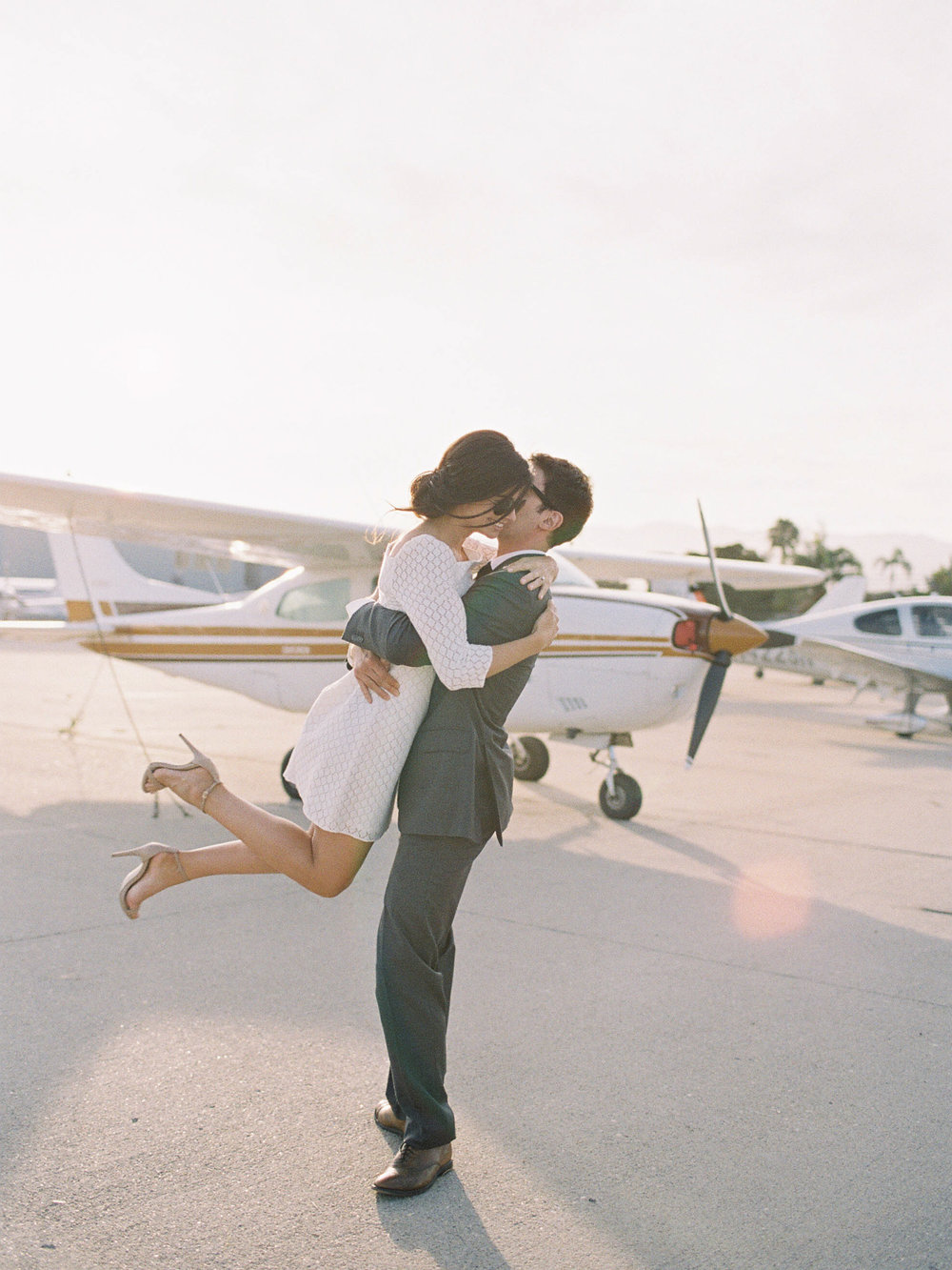 airport-engagement-shoot-10.jpg