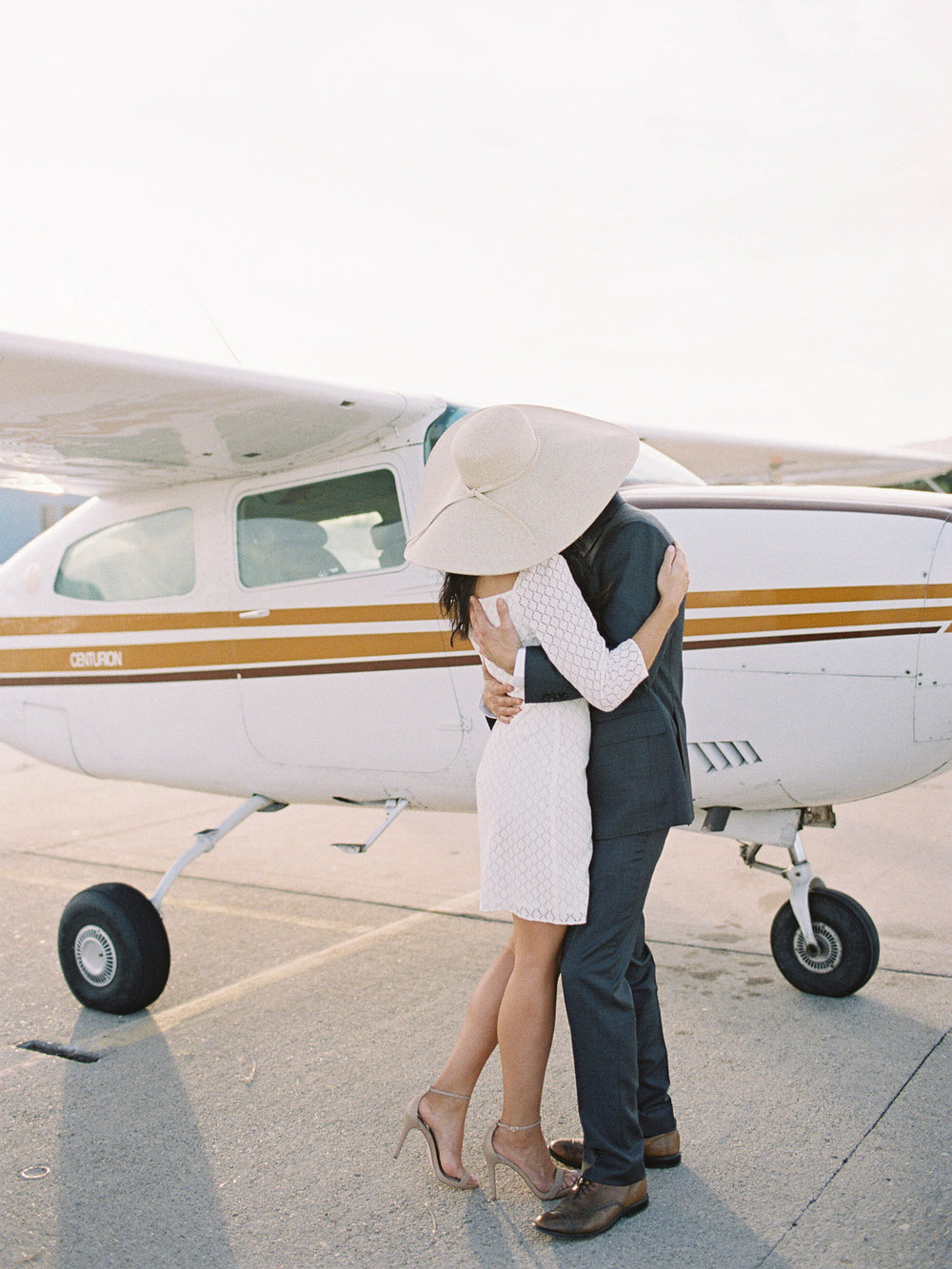 airport-engagement-shoot-19.jpg