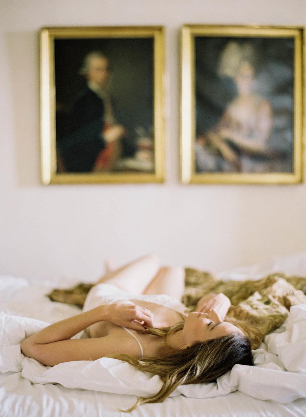 Italian_Villa_Boudoir-4-Jen_Huang-Elan_Jaffke_Boudoir-121-Jen_Huang-006878-R1-007.jpg