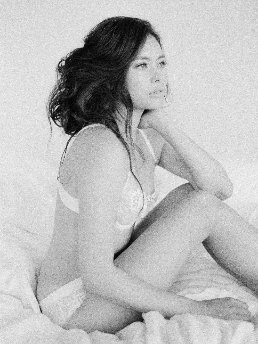 boudoir-on-film-115-Jen_Huang-Bhldn-199-Jen_Huang-000002370031.jpg