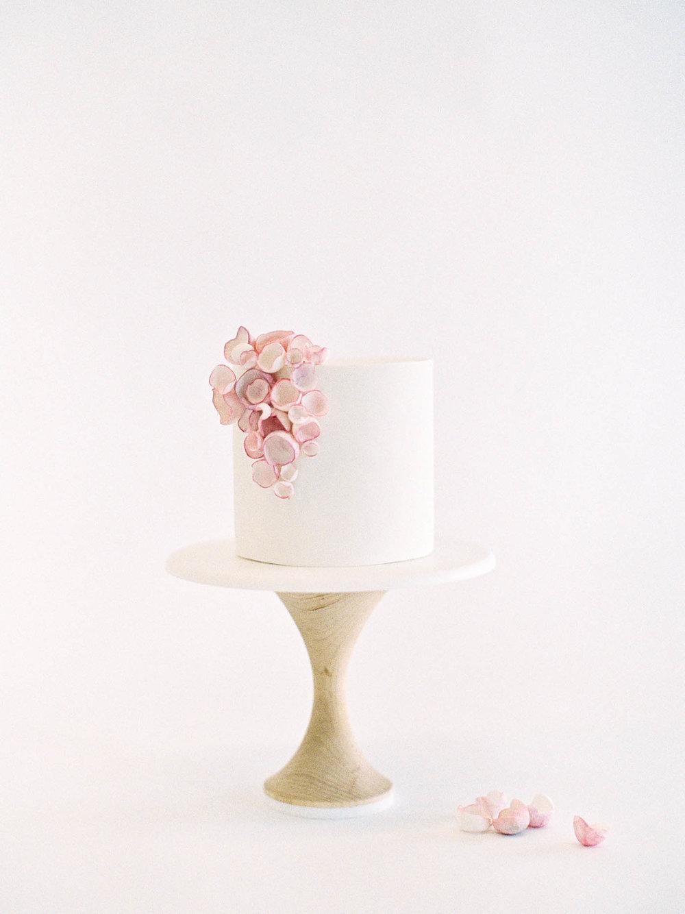 Delicate-Wedding-Cakes-1-Jen_Huang-002344-R1-011.jpg