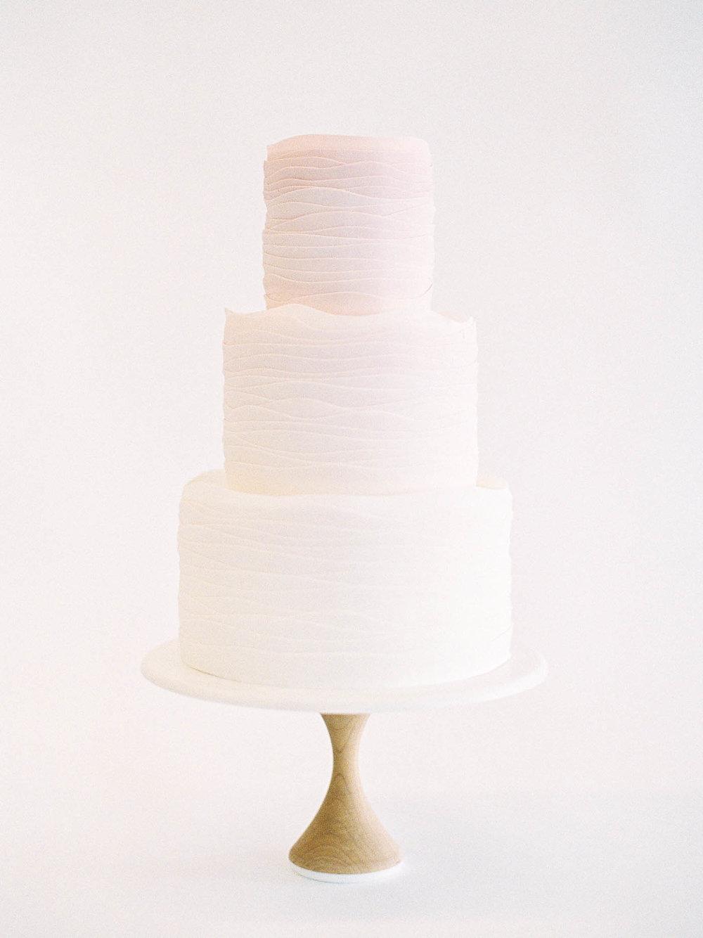 Delicate-Wedding-Cakes-3-Jen_Huang-002344-R1-003.jpg