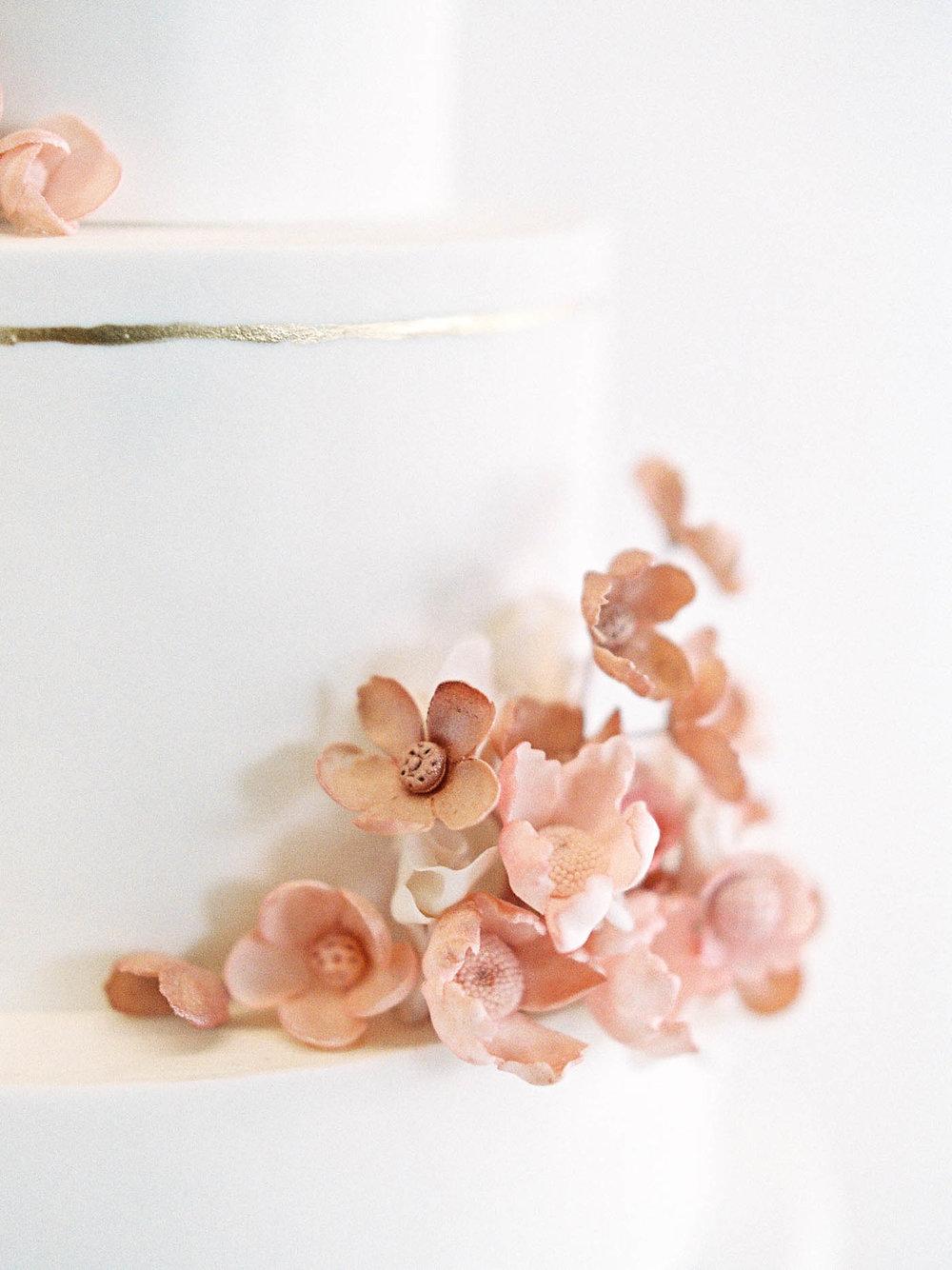 Delicate-Wedding-Cakes-5-Jen_Huang-002343-R1-025.jpg