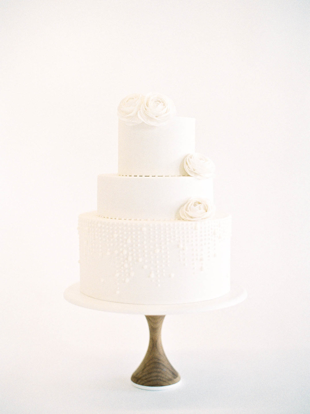 Delicate-Wedding-Cakes-8-Jen_Huang-002343-R1-017.jpg