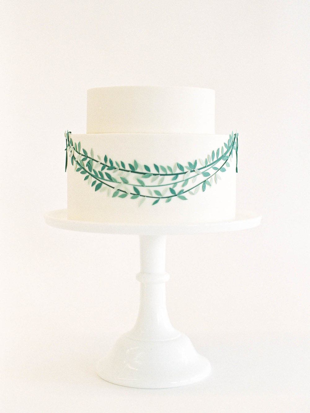 Delicate-Wedding-Cakes-12-Jen_Huang-002343-R1-014.jpg