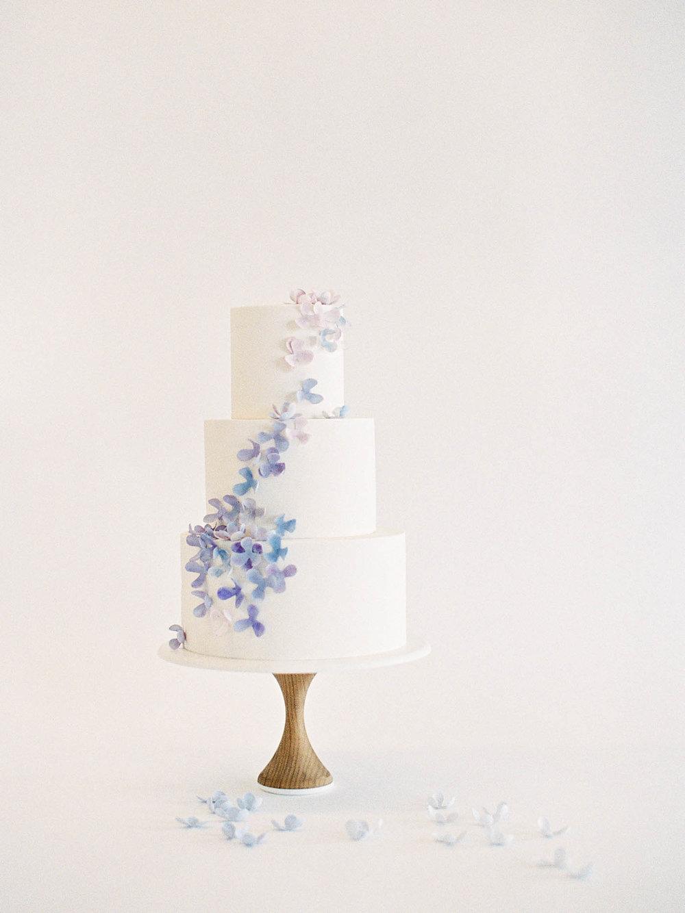 Delicate-Wedding-Cakes-19-Jen_Huang-002343-R1-001.jpg