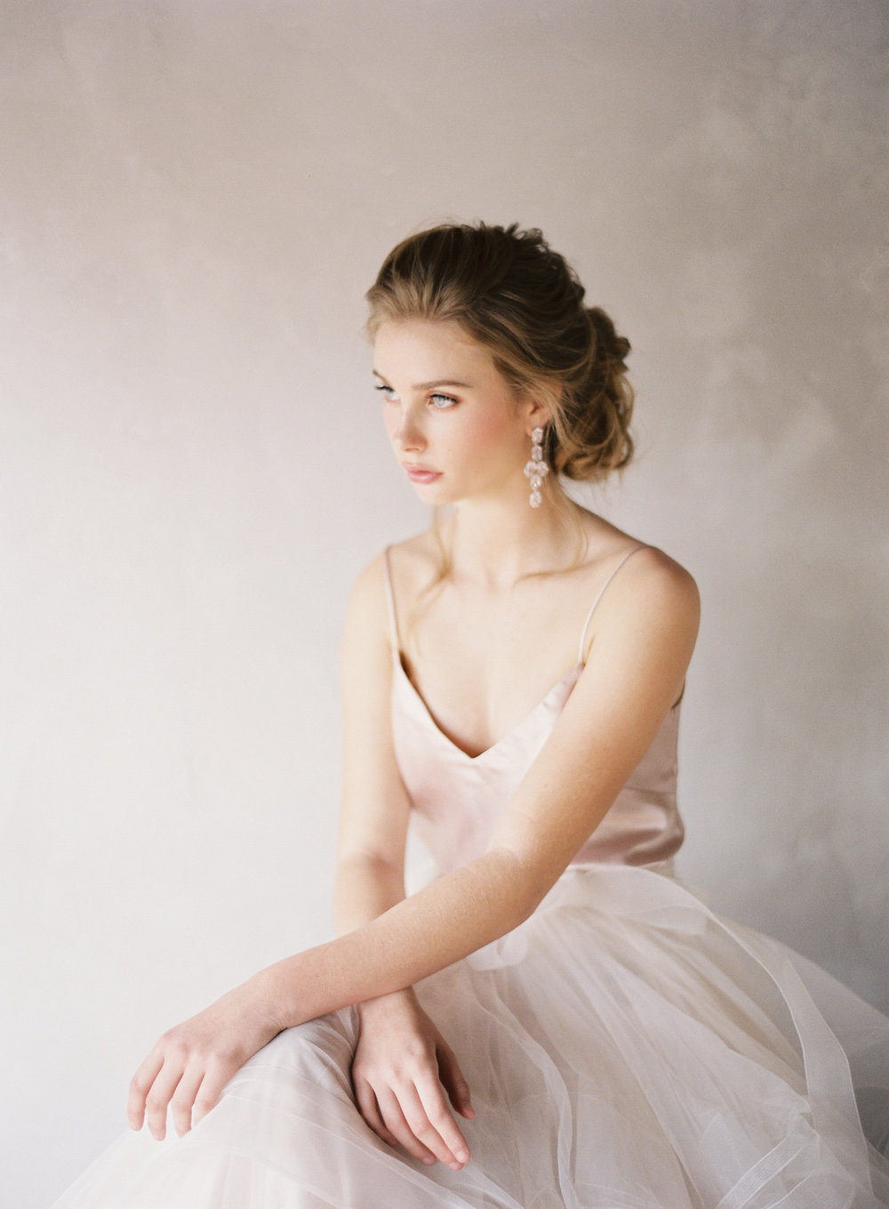 Classic-Bridal-Portraits-209-Jen_Huang-BHLDN-Winter-Bride-46-Jen_Huang-008659-R1-001.jpg