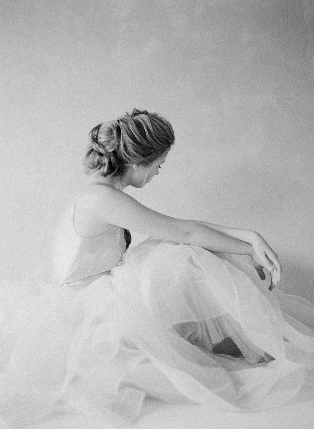Classic-Bridal-Portraits-218-Jen_Huang-BHLDN-Winter-Bride-282-Jen_Huang-000086620001.jpg