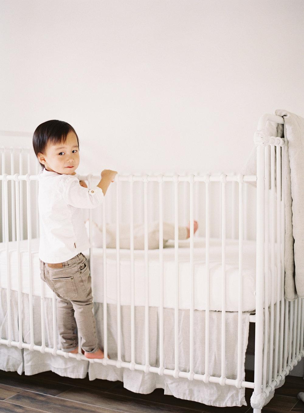 Pasadena_Newborn_Photos-21-Jen_Huang-008847-R1-009.jpg