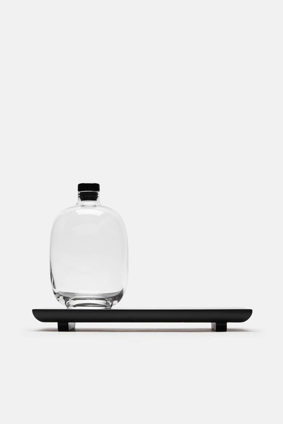 Nude Decanter