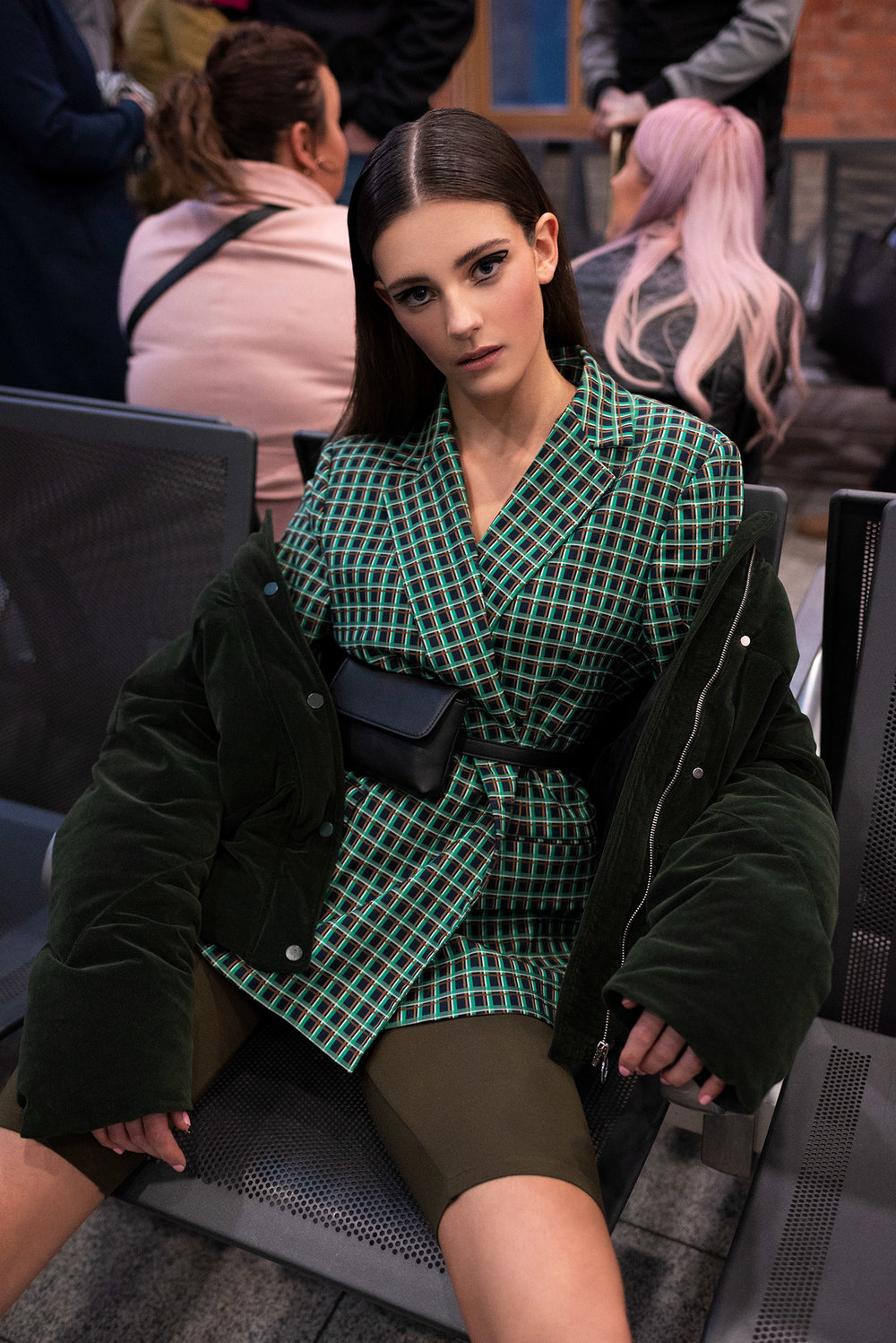 Second-outfit-green-crop-waiting-area-07-5289.jpg