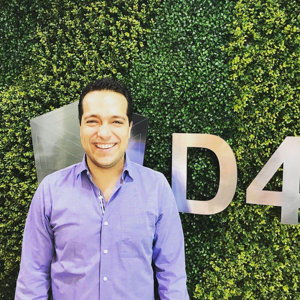 Rector - Director Arq. Oziel Salinas Mata  Especialista en:  Negocios Internacionales, Emprendimiento, Arquitectura, Innovación y Realidad Virtual.