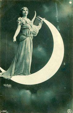 Moon_Goddess_Victorian.jpg