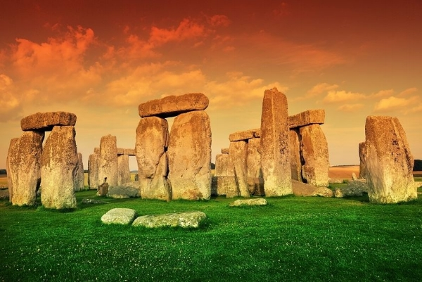 Summer Solstice Stonehenge.jpg