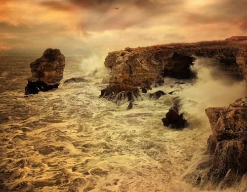 stormy seas (tais) (123rf images)