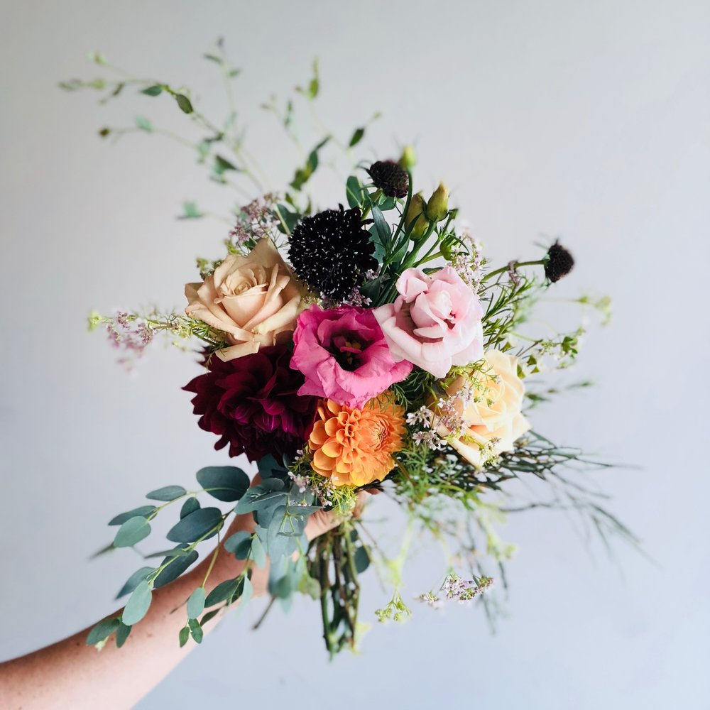 California Flower Club. - Subscribe to weekly curated floral arrangements.