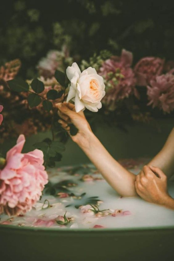 How to increase sensual confidence using flowers    here