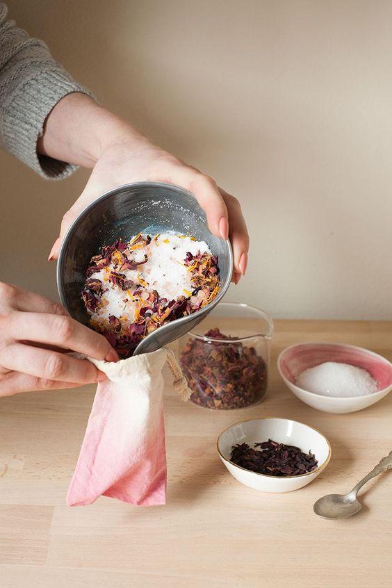Make your own salt scrub with    jojotastic