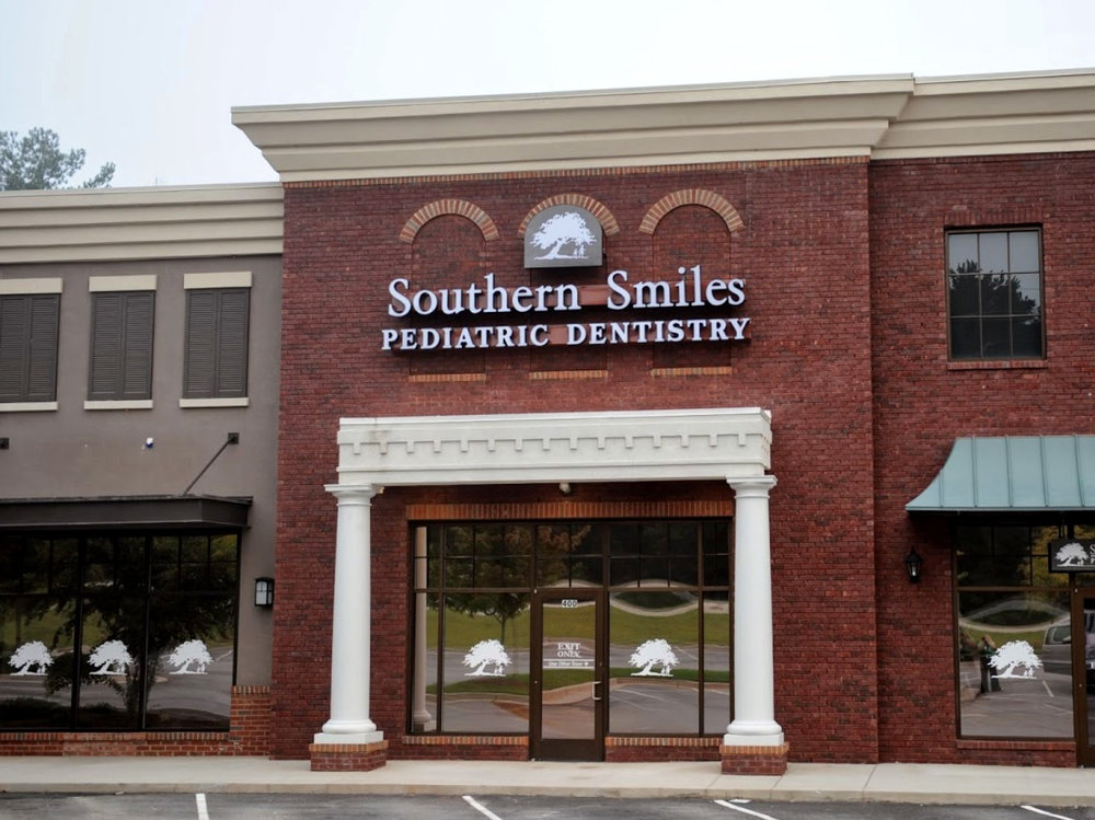 Southern Smiles PD front of office in Evans