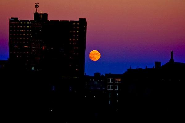 super-moon-indianapolis-small-copy.jpg