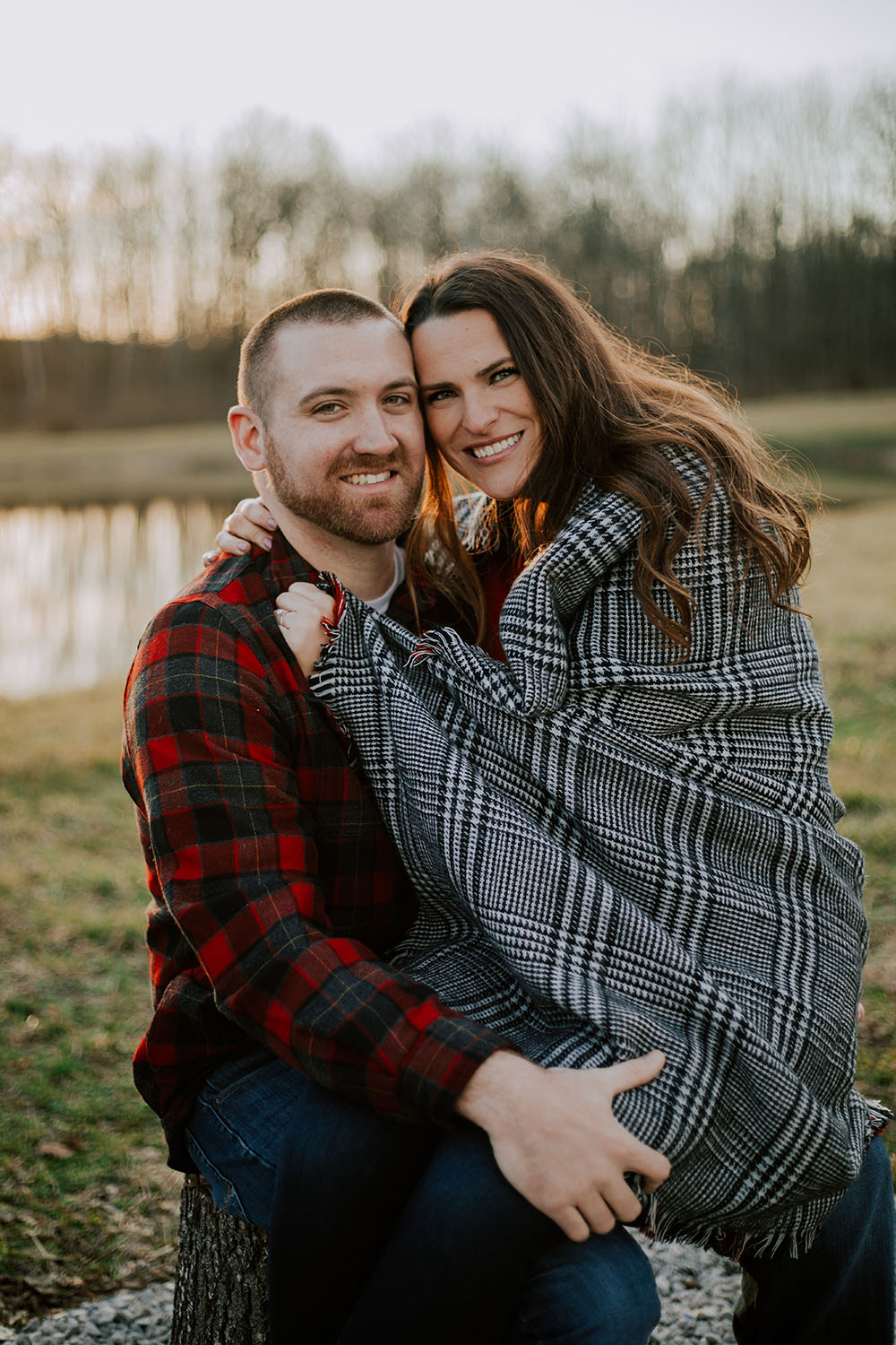 Shutter Up Studios | Wedding photographer in Crawfordsville Indiana | Golden hour engagement session with flannel and blanket