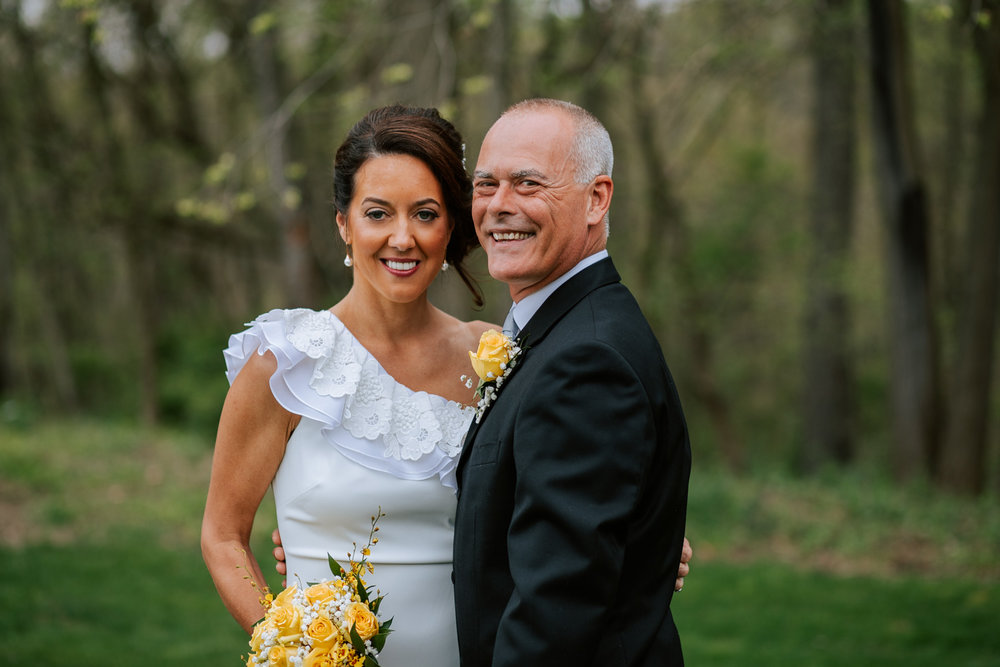 Shutter Up Studios   Wedding photographer in Pittsburgh, Pennsylvania   Bride and groom with yellow roses