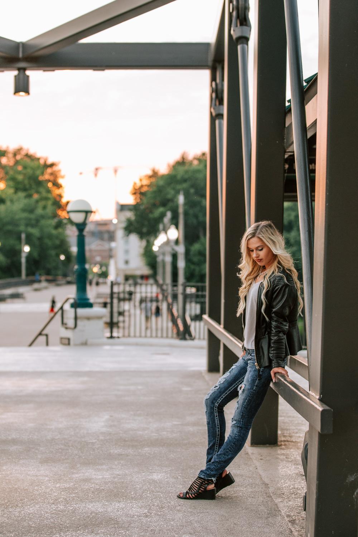 Downtown-Lafayette-Indiana-Sunset-Portraits-37.jpg