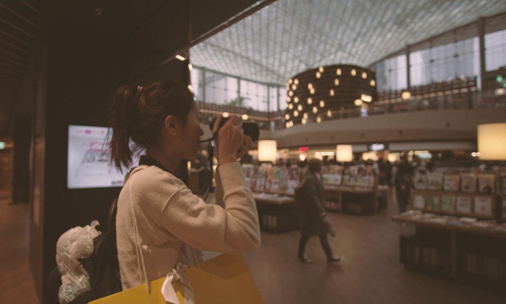 大雨天, 我們去三成站的Coex Mall/Starfield Library 見朋友 :)