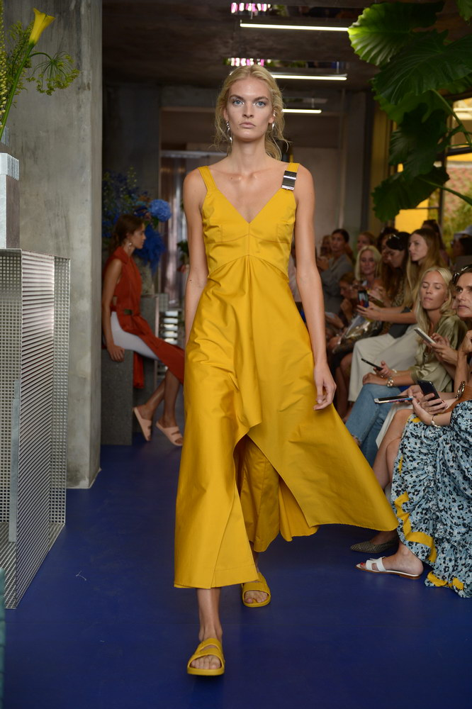 Mykke-Hofmann-SS19-Runway-Fashion-Week-Copenhagen-About-that-look