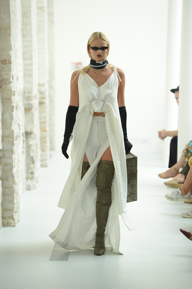 Tine-Baekgaard-SCANDINAVIAN ACADEMY OF FASHION DESIGN: THE GHOST OF MIYAKE-ABOUT-THAT-LOOK-FASHIONWEEKSS19