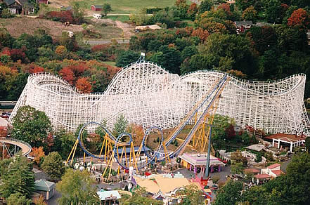 The cyclone offers a classic rollercoaster ride. It is one of the largest wooden coasters in the world. Built in 1983.