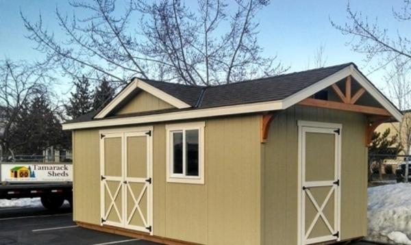 Elk Lake Cabin - Inspired by Oregon's lakes and indigenous wildlife.