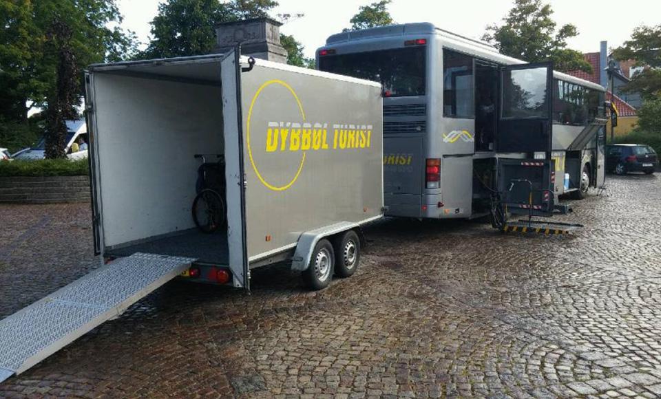 bova-liftbus-med-trailer.jpg