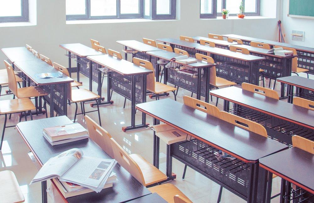 classroom-2787754_1920.jpg