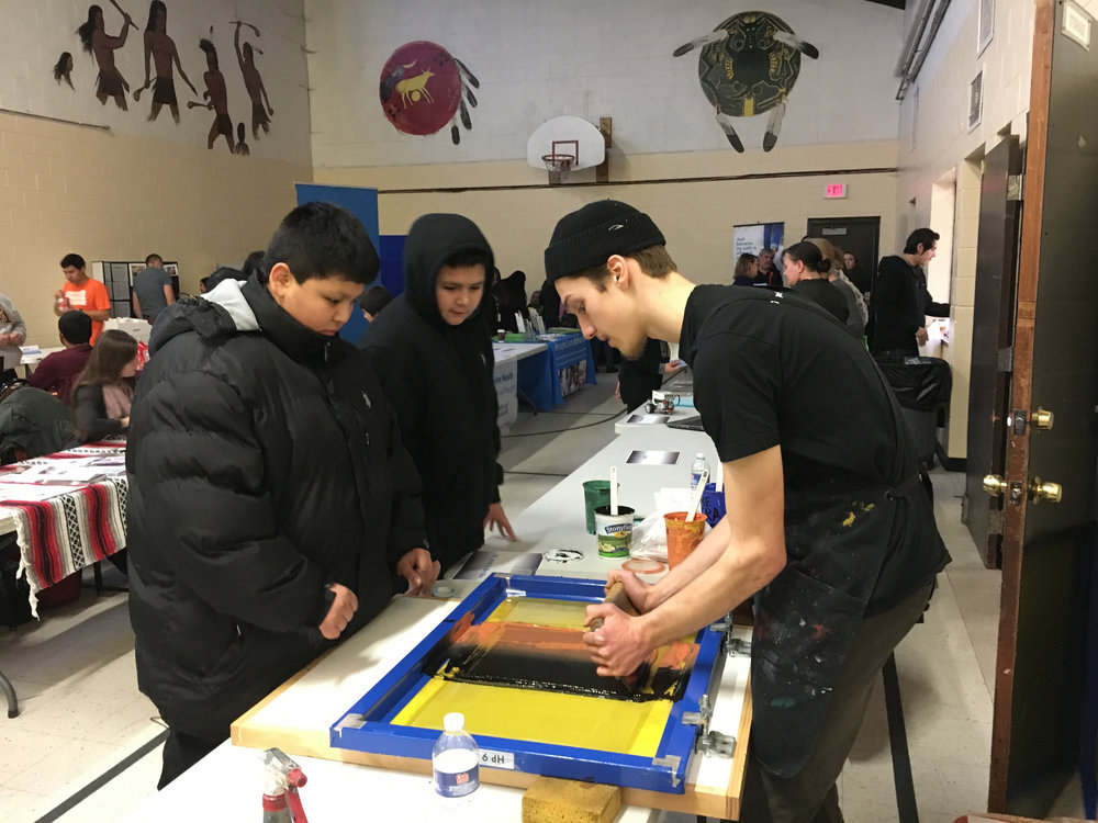 Screenprinting at Little Earth student choice day