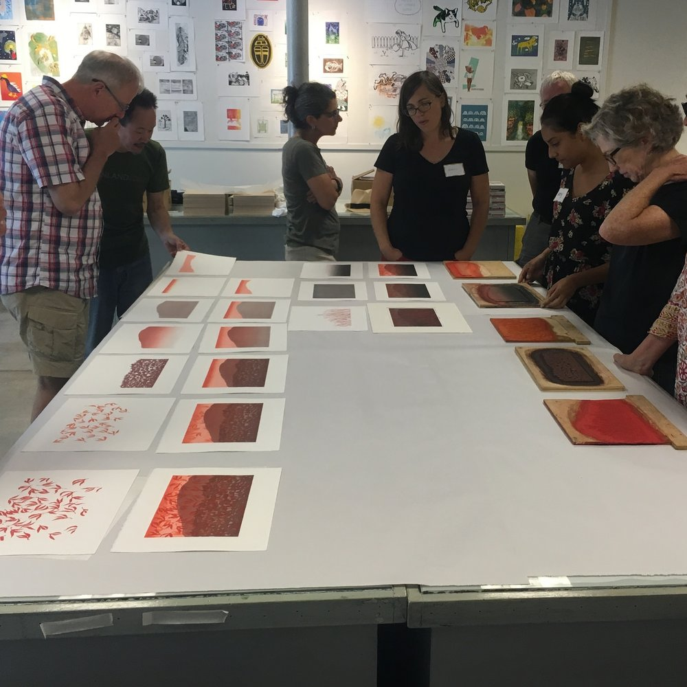 Keiji Shinohara showing process examples for a ukiyo-e relief print.