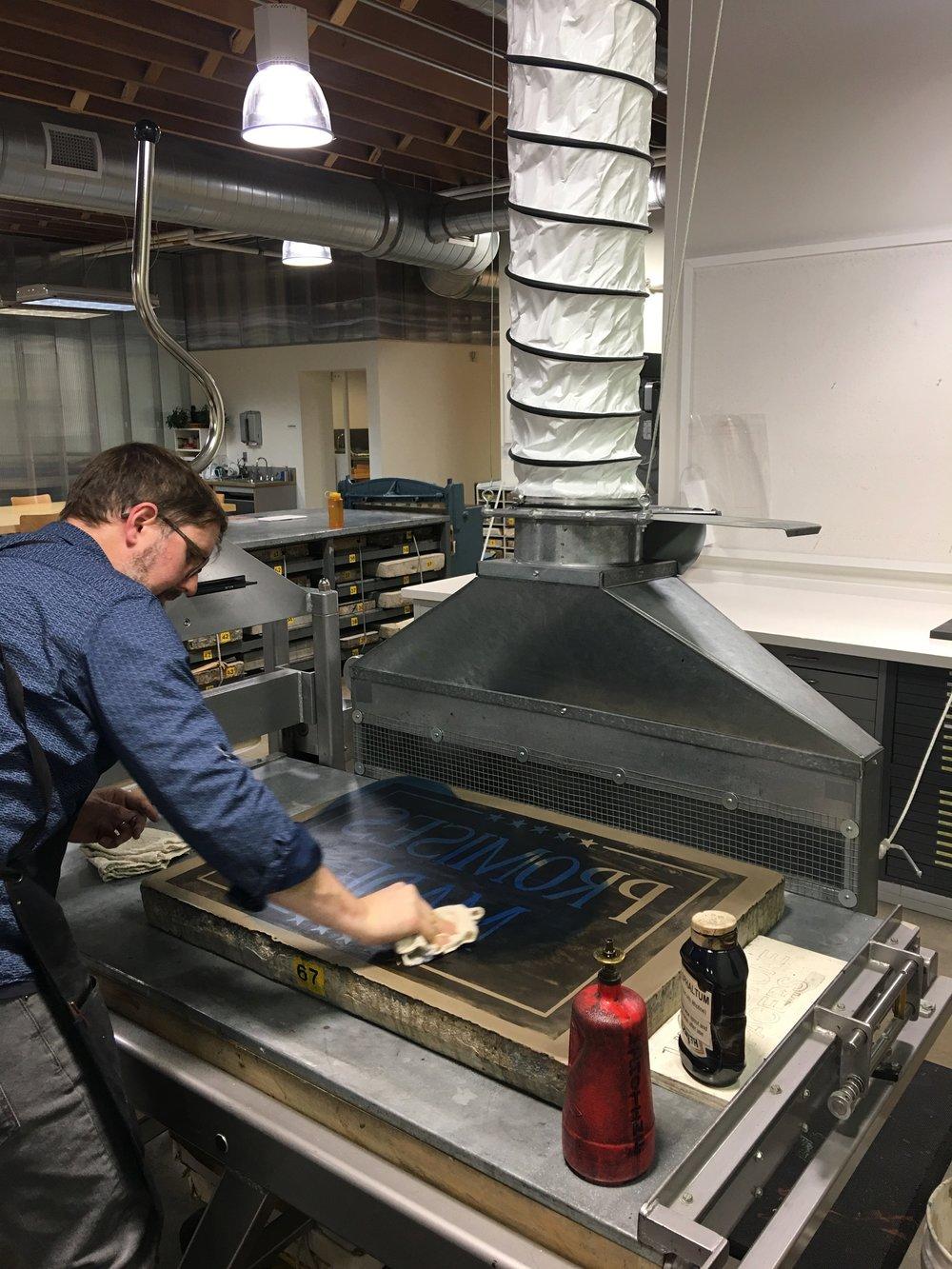 Processing a litho stone