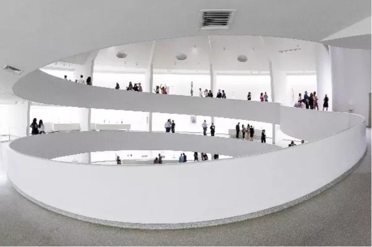 interior of the Solomon R. Guggenheim Museum, New York. ©SRGF, NY