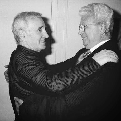Francesco Smalto et Charles Aznavour, 1964.