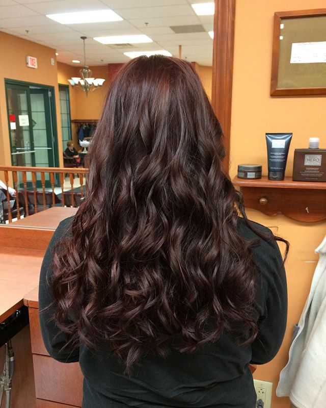Beautiful mahogany ombré perfect for fall! #andreyssalon #hairstyles #haircolor #hairstylist #salon #aloxxi #aloxxicolor #fallhaircolor #fall