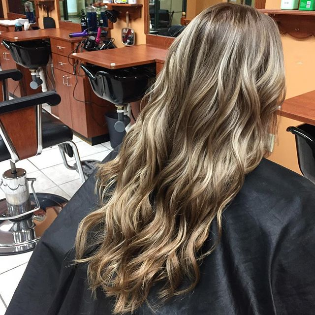 Autumn Balayage for those summer blondes done by Michelle #hair #hairstyles #autumn #balayage #blonde #summerblonde #andreyssalon #beafriendbringafriend