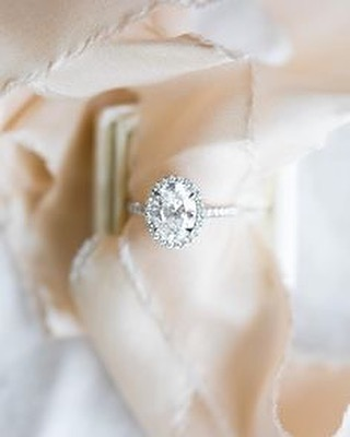 "While I fully realize it's not officially ""engagement season"" I find myself daydreaming... We'd say yes…wouldn't you? ;) Source 