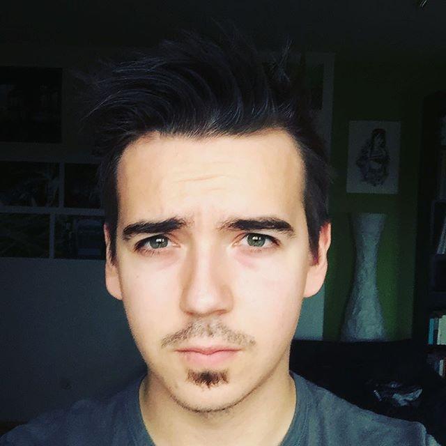 ich hab' schon länger nichts gepostet und hab' gleichzeitig nichts zu sagen oder herzuzeigen. rasieren sollt' ich mich vielleicht ¯\_(ツ)_/¯