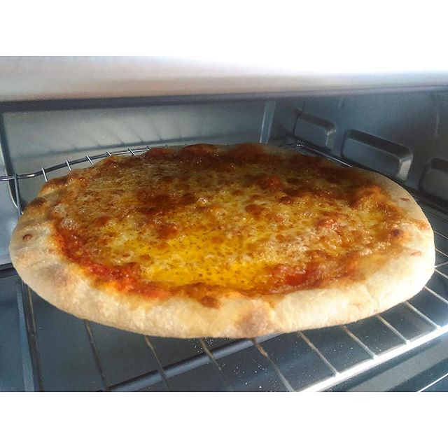 Toaster oven magic ✨ . . . #zaahh #feelgoodaboutpizza #sourdoughpizza #sourdough #pizza #fermentedfoods #whyglutenfree #digestible #organic #biodynamic #handmade #digestible #delicious #holistichealth #cowgirlcreamery #wholegrain #knowyourfarmer #sfpizza #sfeats #eatersf #infatuationsf #eeeeeats #visitmarin #pizzaparty