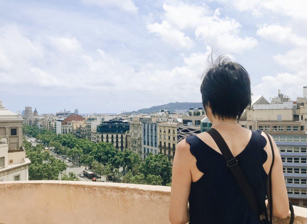 Teaching my mum my classic pose on top of Casa Mila, Barcelona