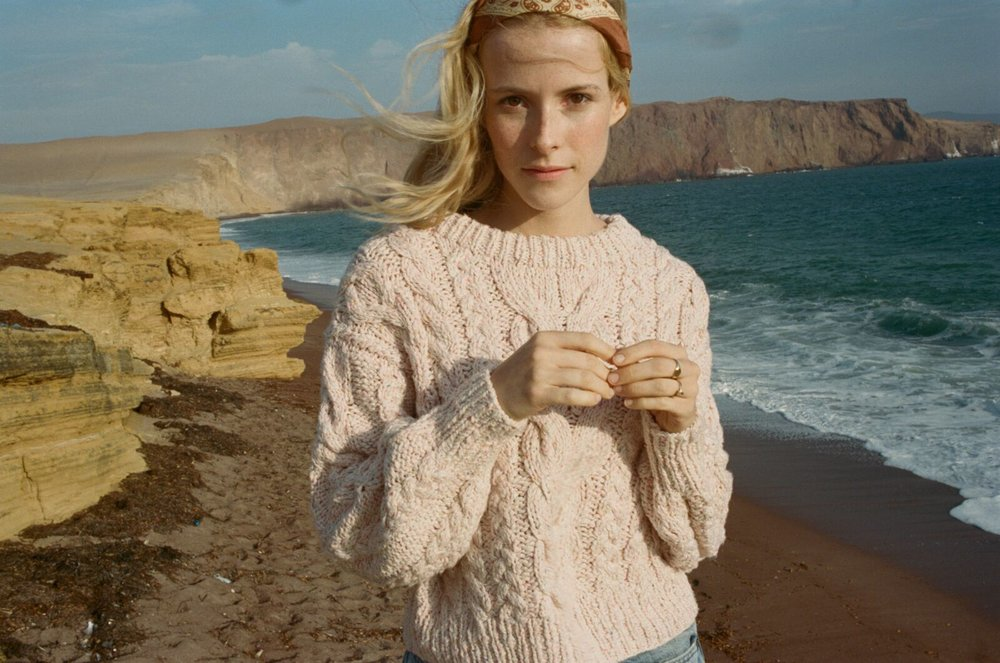 Bee Sweater in Pink Cloud