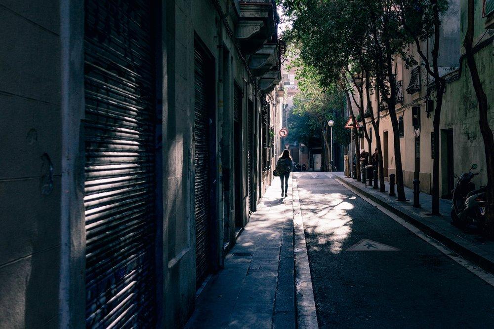 alley-architecture-background-267951.jpg
