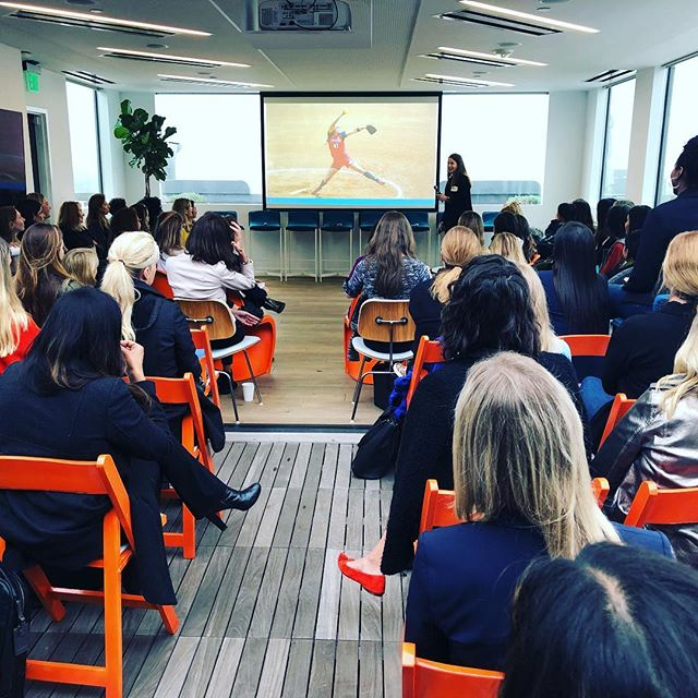 Get ready to pitch! Fundraising advice in a safe space from lady VCs at LA Female Founder Office Hours #ffoh #femalefounderofficehours