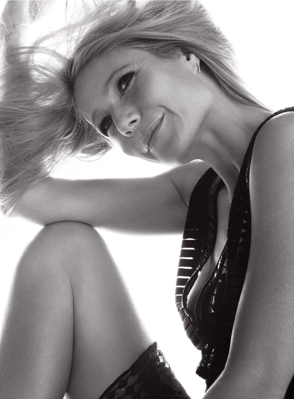 GwynethPaltrow-HarpersBazaarCoverStory-Feb2015_8.jpg